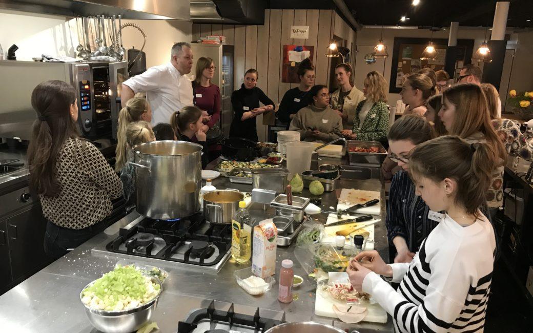 Les van chef-kok Rik bij kookstudio Maarssen aan de Kook